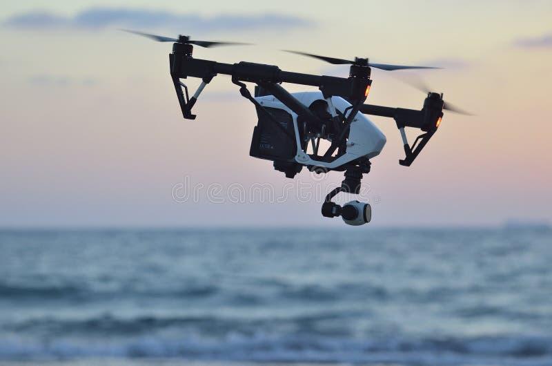 Quadrocopter lot zdjęcie stock