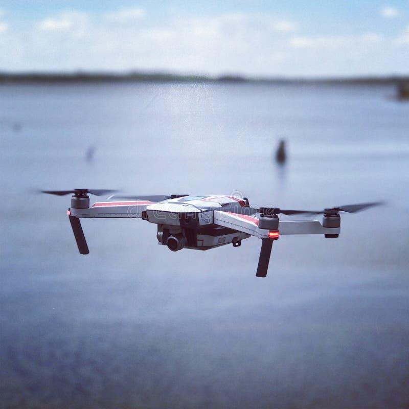 Quadrocopter sopra acqua