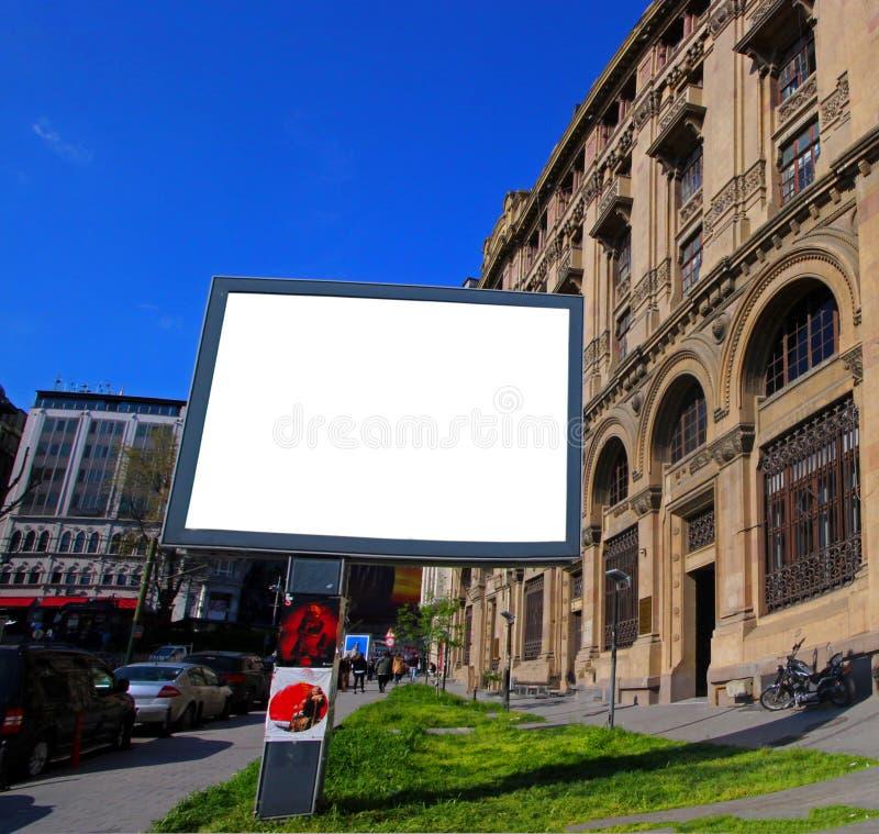 Quadros de avisos vazios de Istambul para anunciar o cartaz - quadro de avisos exterior foto de stock