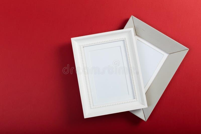 Quadros no fundo vermelho foto de stock royalty free