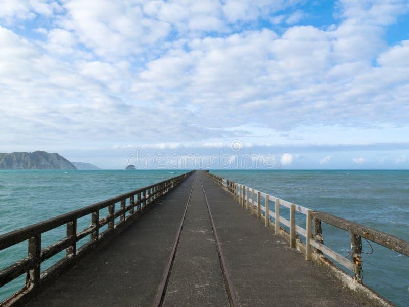 Quai de baie de Tolaga le plus long pilier du Nouvelle-Zélande images stock