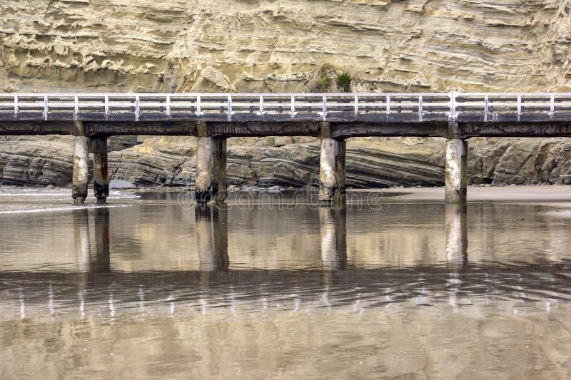 Quai de baie de Tolaga, l'oc?an pacifique, Gisborne, Nouvelle-Z?lande images stock