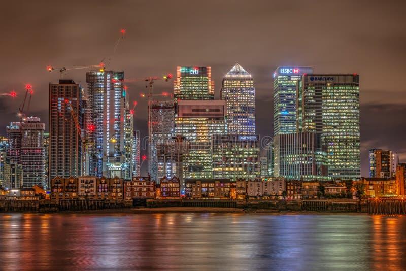 quai jaune canari de nuit de Londres de quartiers des docks image libre de droits