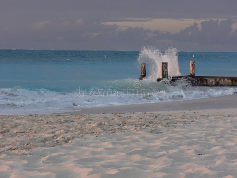 Quai Mexique/мексиканський пляж vagues Plage развевает стоковое изображение
