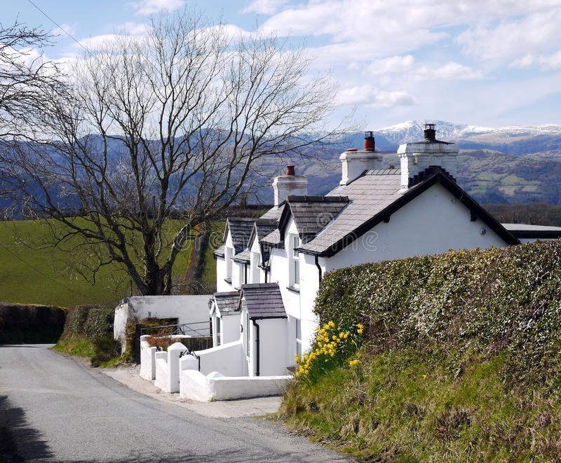 Quaint plattelandshuisje stock afbeeldingen