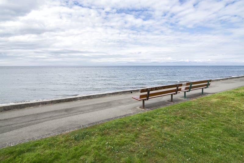 Qualicum-Strandpromenade im Sommer lizenzfreie stockbilder