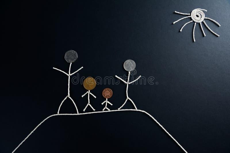Qualitäts-Zeitgenuß der Familie im Freien, glückliche junge Familie, welche die Zeit im Freien, ungewöhnliches Konzept verbringt vektor abbildung