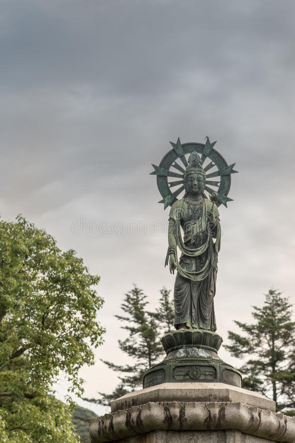 Download Quan Yin Statue In Yuzen En Garden Of Chion In Buddhist Temple.