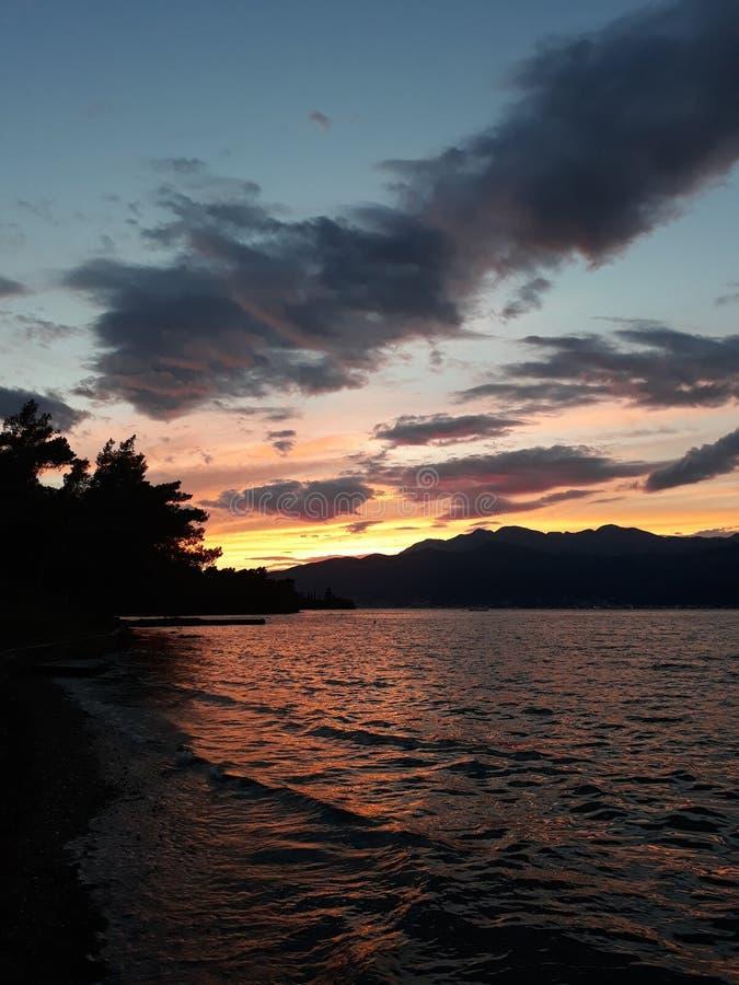 Quand le soleil se couche photo libre de droits