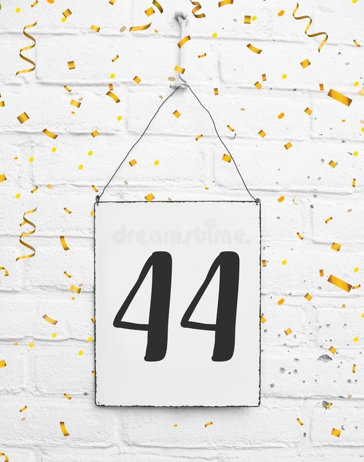 44 quarenta e quatro anos de congratulati velho da festa de aniversário do aniversário imagem de stock