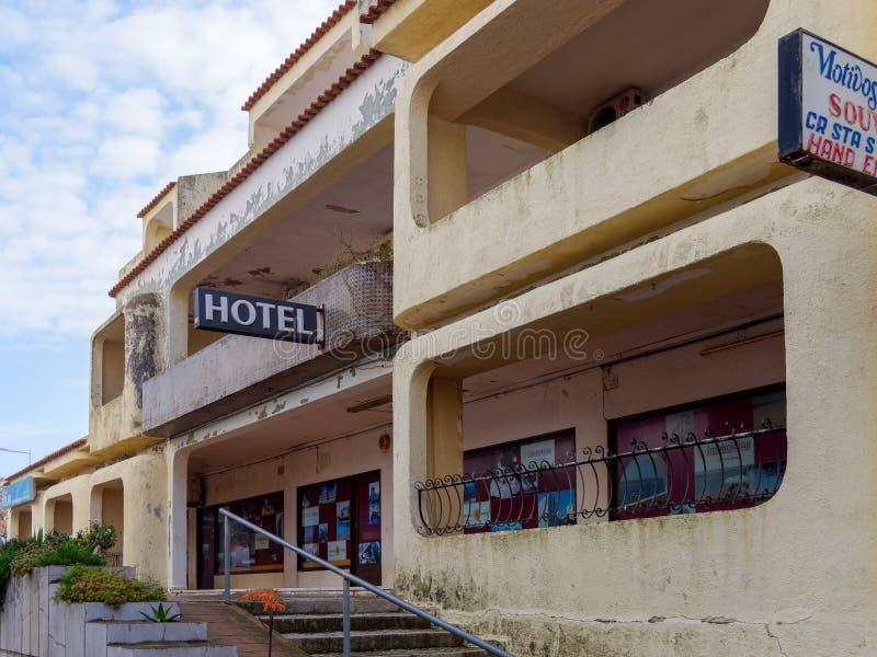 QUARTEIRA,南部的ALGARVE/PORTUGAL - 3月7日:遗弃旅馆 库存照片