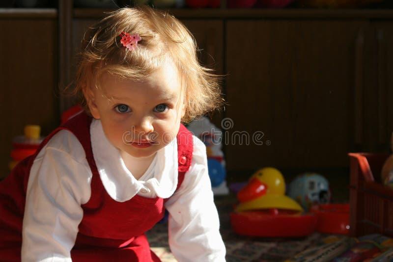 Quarto de criança ensolarado imagens de stock royalty free