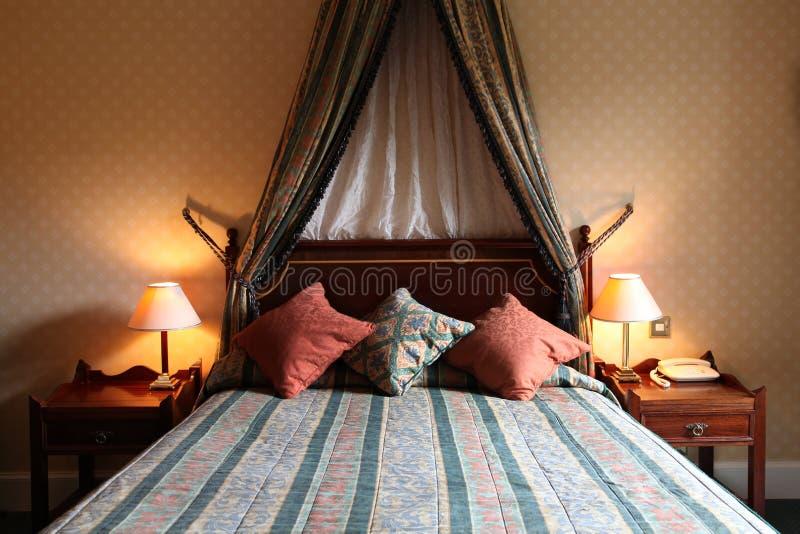 Download Quarto de hotel imagem de stock. Imagem de apartamento - 10062847