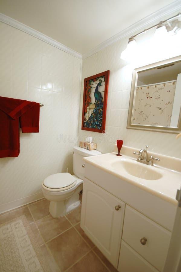 Download Quarto do banho imagem de stock. Imagem de inside, toalha - 542751