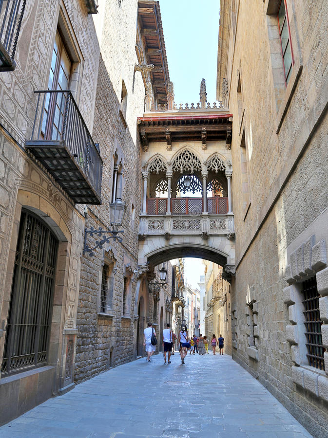 Quarto gótico em Barcelona, Espanha foto de stock