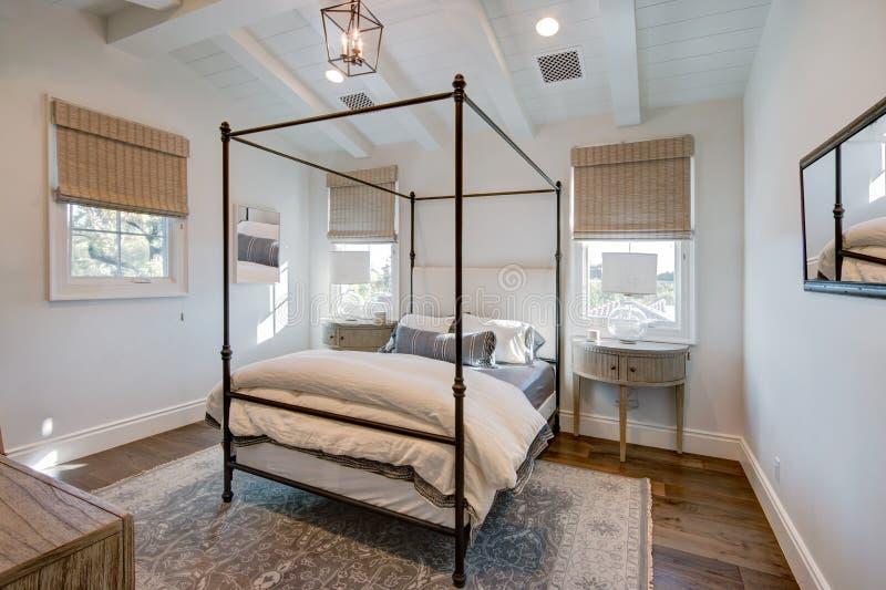 Quarto interior home da mansão imagens de stock royalty free
