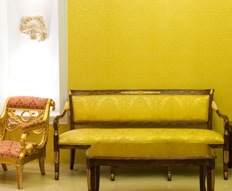 Quarto luxuoso com espaço livre na parede