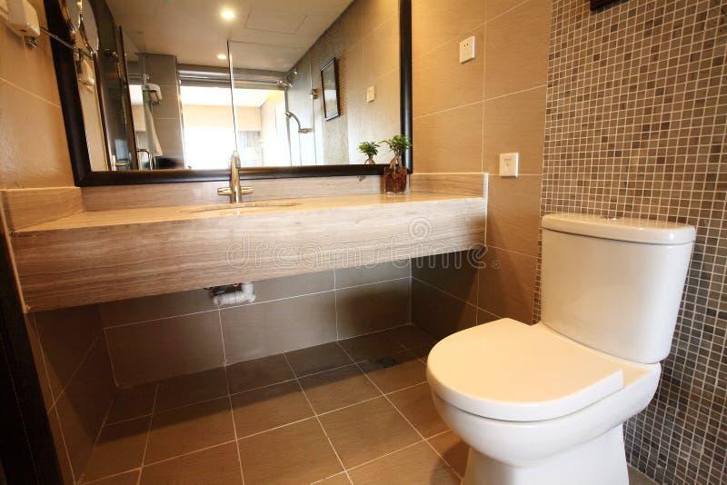 Quarto moderno do banho imagem de stock