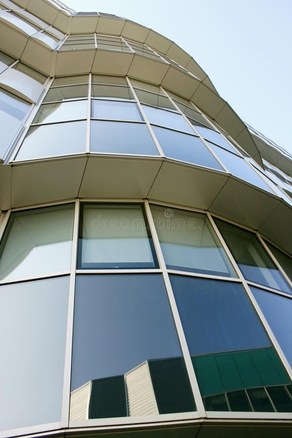 Quarto moderno dos escritórios de Milão do detalhe 3 do edifício, Italy imagens de stock royalty free