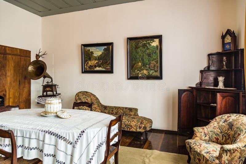 Quarto velho Museu colonial da família foto de stock