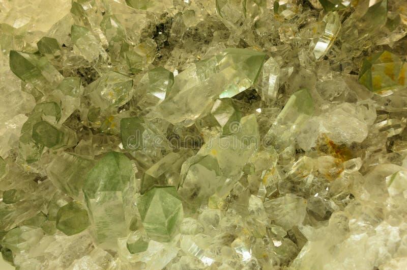 Quarz-Kristalle stockfoto