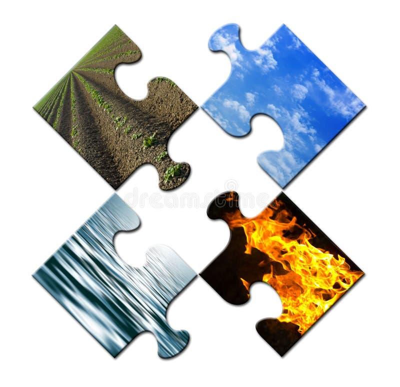 Quatre éléments dans un puzzle non résolu images stock