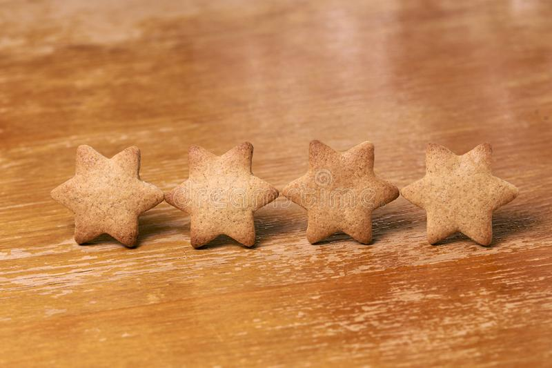 Quatre dans la rangée Biscuit de pain d'épice Dessert délicieux photo stock