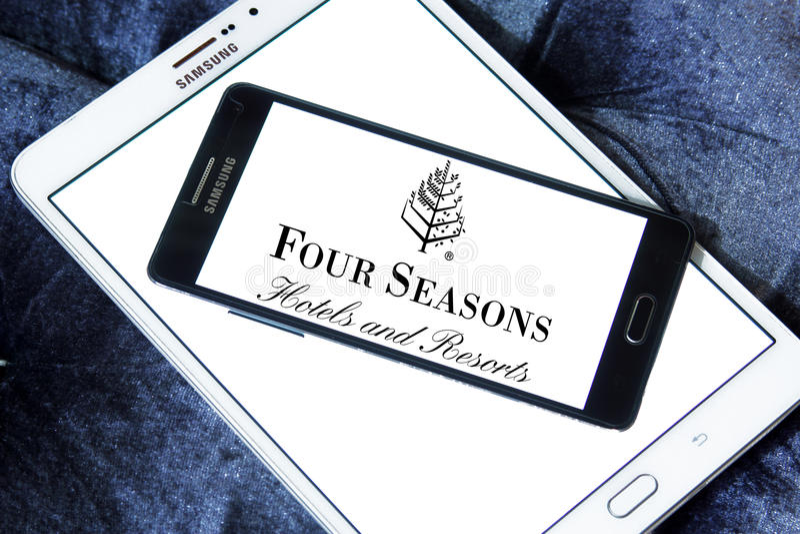 Quatre hôtels de saisons et logos de stations de vacances images libres de droits