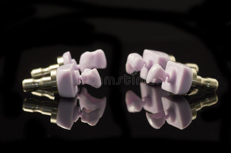Quatre molaires de bloc verre-en céramique de Disilicate de lithium pour CA photographie stock