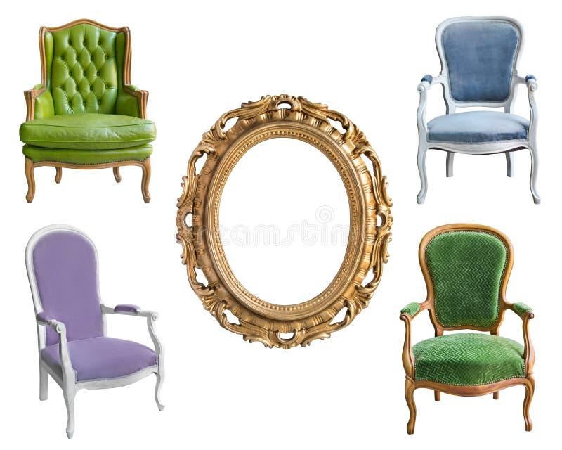 Quatro cadeiras do vintage e um quadro bonito Isolado no fundo branco imagem de stock royalty free