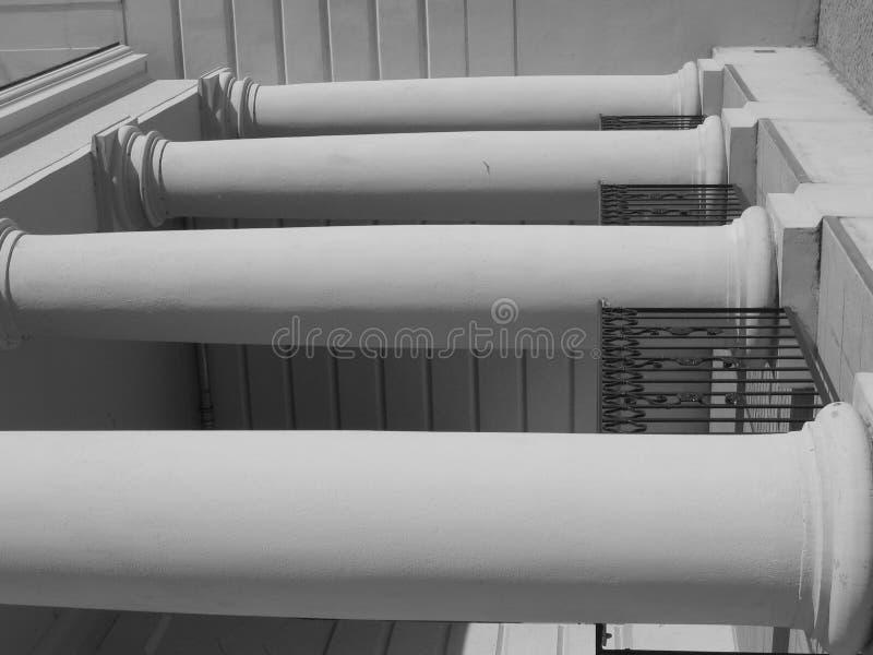 Quatro colunas fecham-se fotografia de stock royalty free