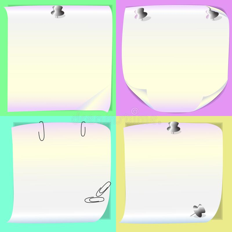 Quatro folhas de memorando com os pinos em fundos coloridos diferentes Os lembretes brilhantes para fazer anotações, organizam se ilustração stock