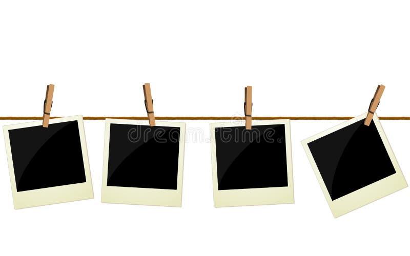 Quatro imagens do polaroid que penduram na corda ilustração royalty free
