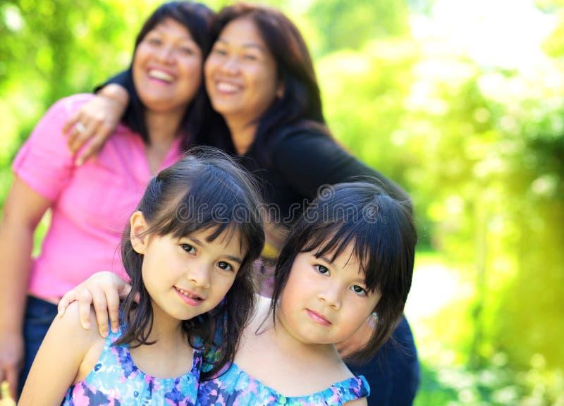 Quatro irmãs ao ar livre imagens de stock