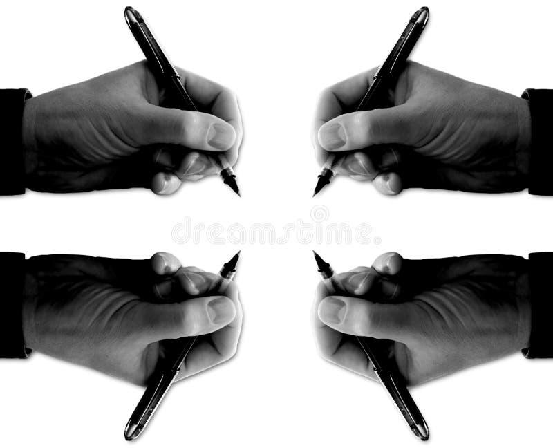 Quatro mãos com assinatura das penas (sobre o branco) foto de stock