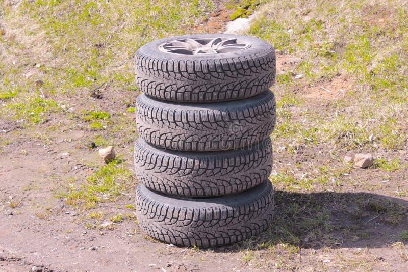 Quatro pneus do inverno fotografia de stock