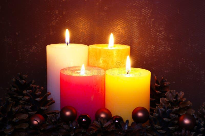 Quatro velas do Natal fotografia de stock royalty free