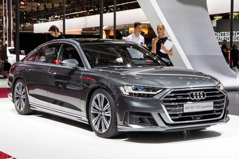Quattro Audis A8 TDI Auto dargestellt an der Paris-Autoausstellung lizenzfreies stockbild