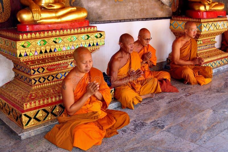 Chiang Mai, TH: Monaci a Wat Doi Suthep immagini stock libere da diritti