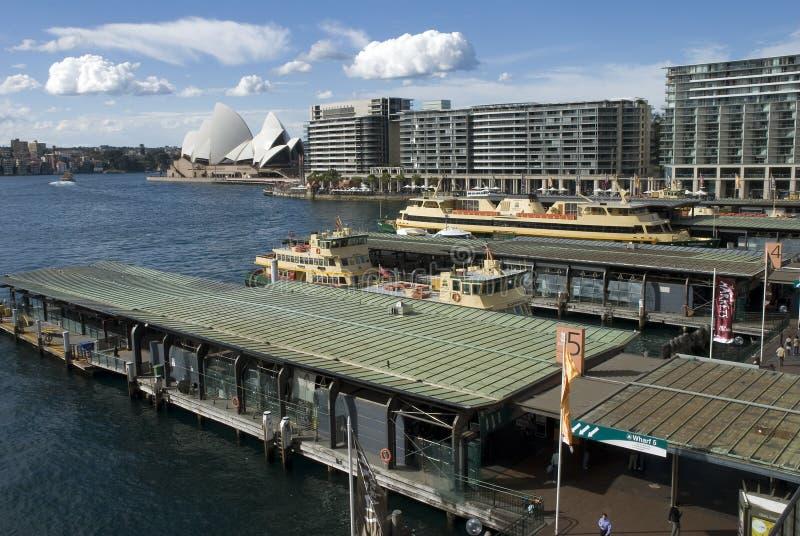 Quay circular ocupado Sydney imagen de archivo