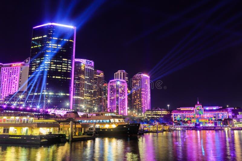 Quay circular Sydney, Australia, encendida para arriba para el festival de 'Sydney viva ' fotografía de archivo libre de regalías