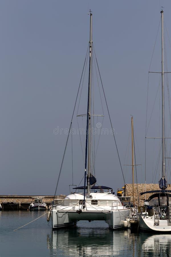 Quay de la ciudad de Heraklion Grecia, isla Creta imagen de archivo libre de regalías