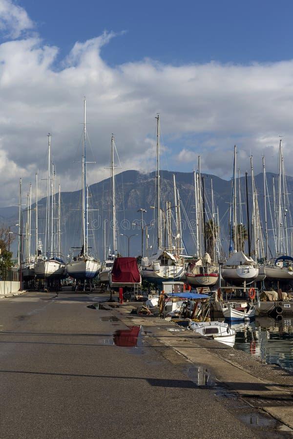 Quay de la ciudad de Kalamata Grecia, prefectura de Messinia, Peloponeso fotografía de archivo libre de regalías
