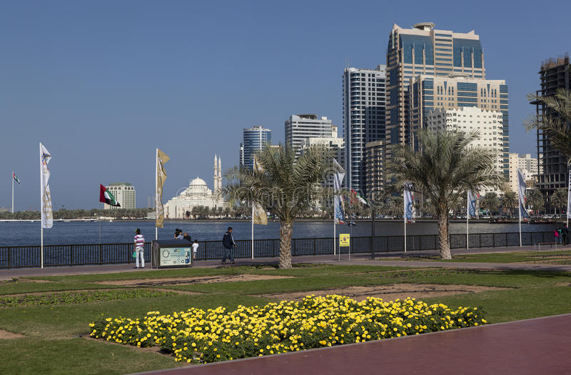 Quay Khalid laguna i Al Noor meczet (Al Noor meczet) Sharjah emiraty arabskie united obrazy royalty free