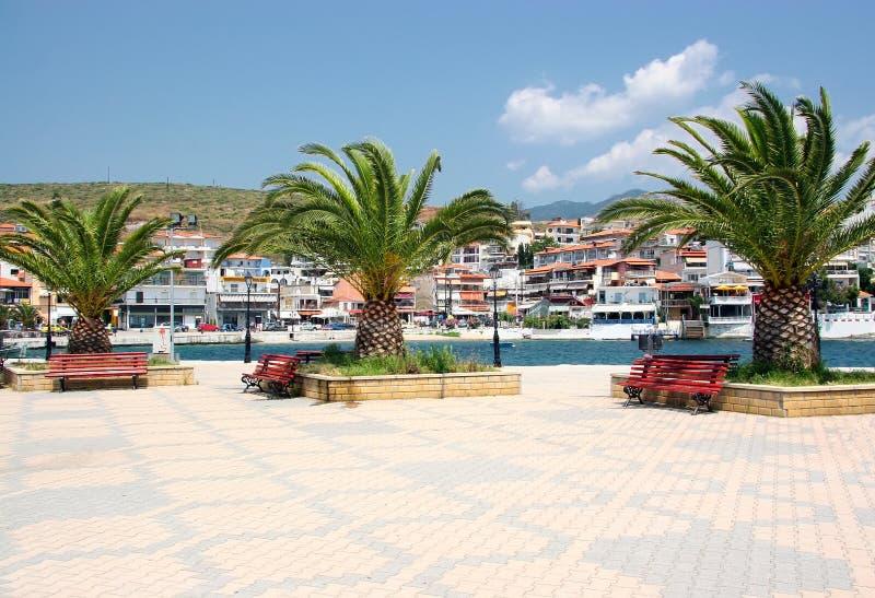 Quay w miejscowości wypoczynkowej Neos Marmaras na półwysepie Siedzę obrazy stock