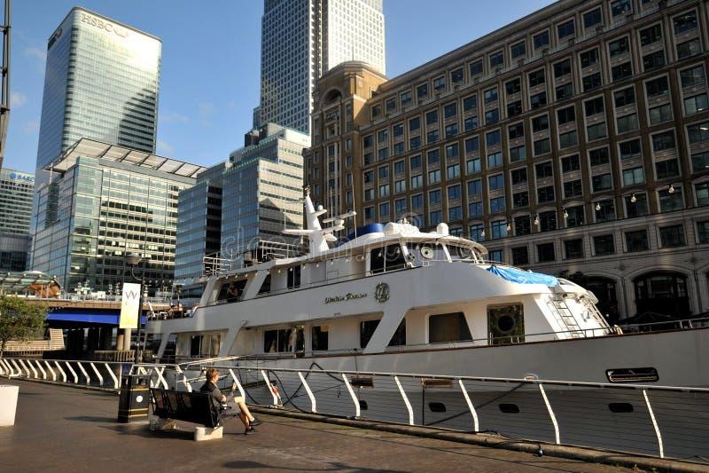 Quay Zachodnie Indie w Londynie, nieruchomość Canary Wharf obraz royalty free