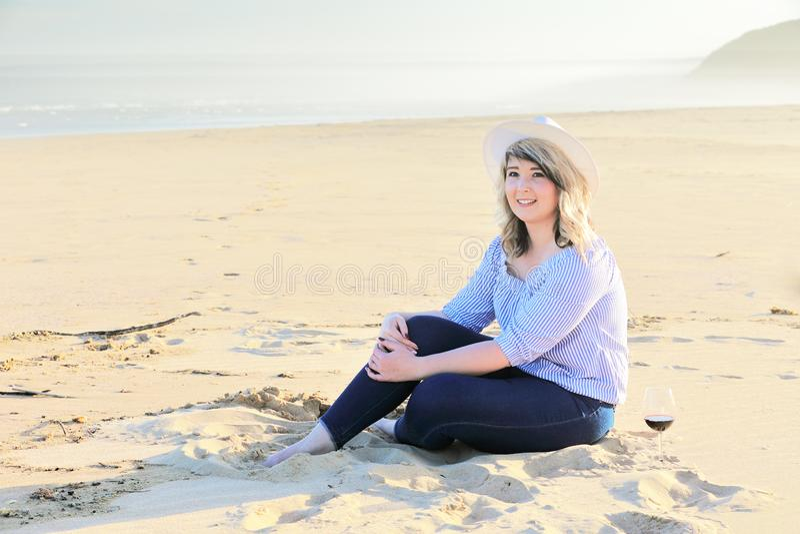 Que dia bonito na praia fotografia de stock