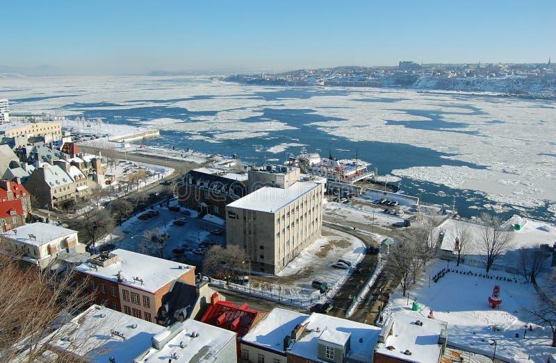 Quebec City et fleuve de rue Laurent image libre de droits