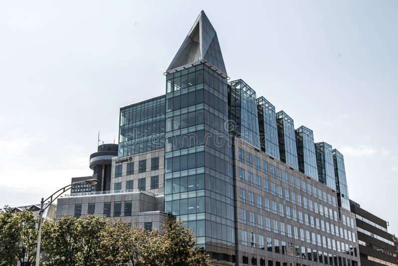 Quebec City Kanada 19 09 cityscapesikt 2017 av modern byggnad för seminarium av lacapitale på himmel för solig dag royaltyfria foton