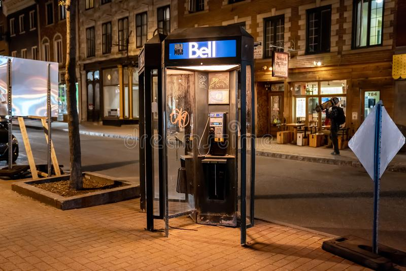 QUEBEC CITY KANADA - MAJ 18, 2018: Telefonbås i Quebec City arkivfoton